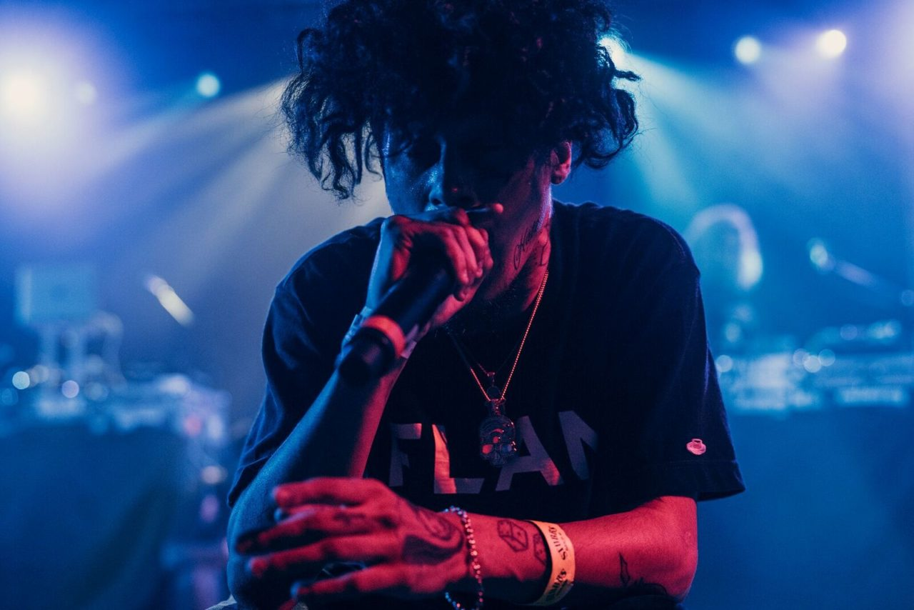 Wifisfuneral onstage